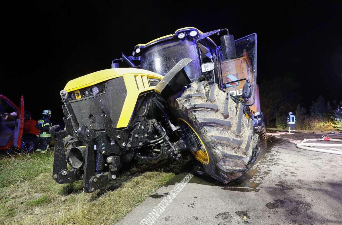 Der Traktorfahrer wurde beim dem Unfall nicht verletzt. Foto: 7aktuell.de/Thomas Warnack/7aktuell.de | Thomas Warnack