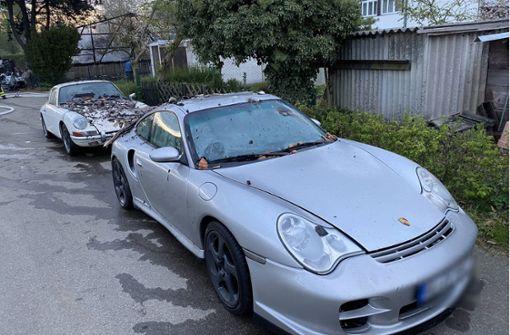 Scheune brennt ab – zwei Porsche beschädigt