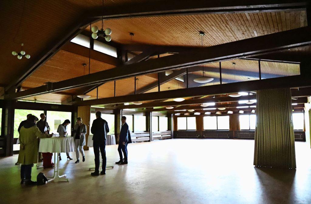 OB Zull will den Saal des Waldschlössles  wieder benutzbar machen –  sowohl fürs Waldheim als auch  für private Feste. Foto: Patricia Sigerist