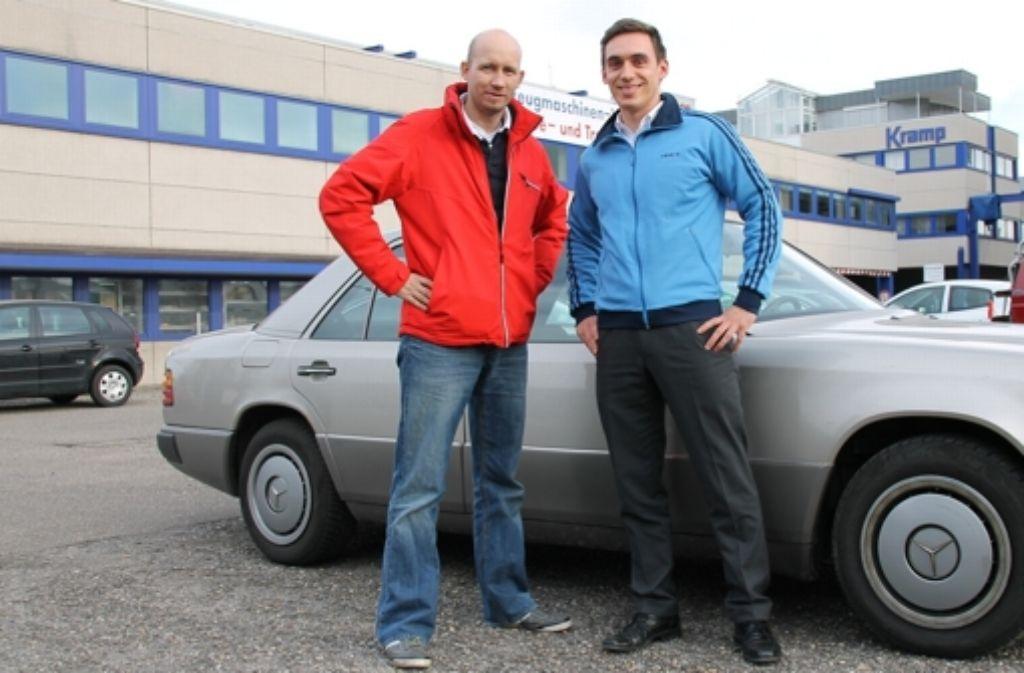 Björn Rauhut (links) und Benno Leuthner wollen binnen 15 Tagen die Baltische See mit dem Auto umrunden. Foto: privat