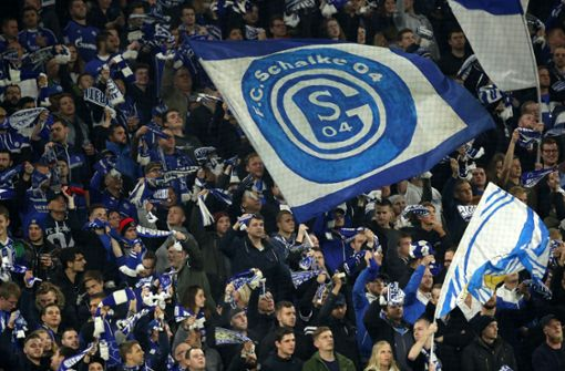 Fan des FC Schalke 04 wegen versuchten Mordes angeklagt