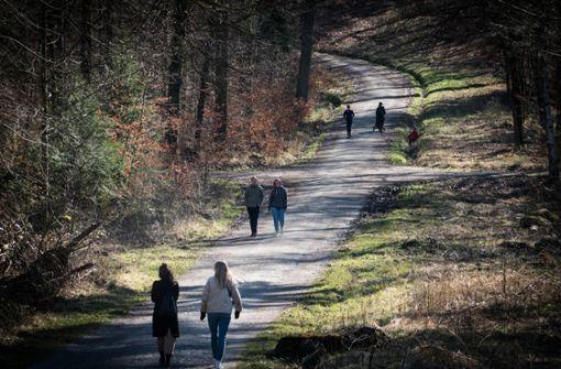 Viel  los auf Spazierwegen