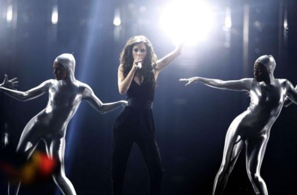 Nach dem Song Contest sagt Lena: Es geht mir fantastisch. Ich bin super zufrieden mit dem Auftritt, und wir alle sind total stolz auf uns. Ich gratuliere Aserbaidschan zum Sieg! Foto: AP