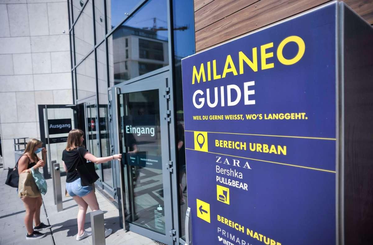 Die  Kunden bleiben nach Auskunft von Centermanagerin Andrea Poul sogar etwas  länger als vor Ausbruch der Corona-Pandemie im Milaneo Foto: Lichtgut/Max Kovalenko
