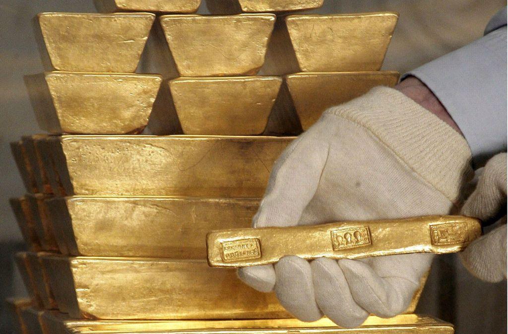 Die Seniorin versteckte die Goldbarren in ihrer Wohnung. (Symbolfoto) Foto: dpa