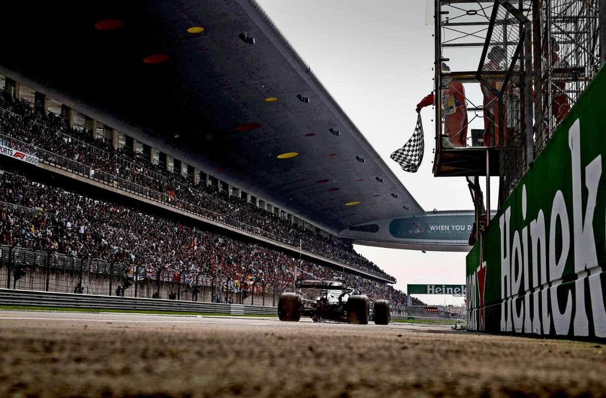 Der Pay-TV-Sender Sky hat sich nach eigenen Angaben die Medienrechte für die Formel 1 gesichert Foto: imago images/HOCH ZWEI