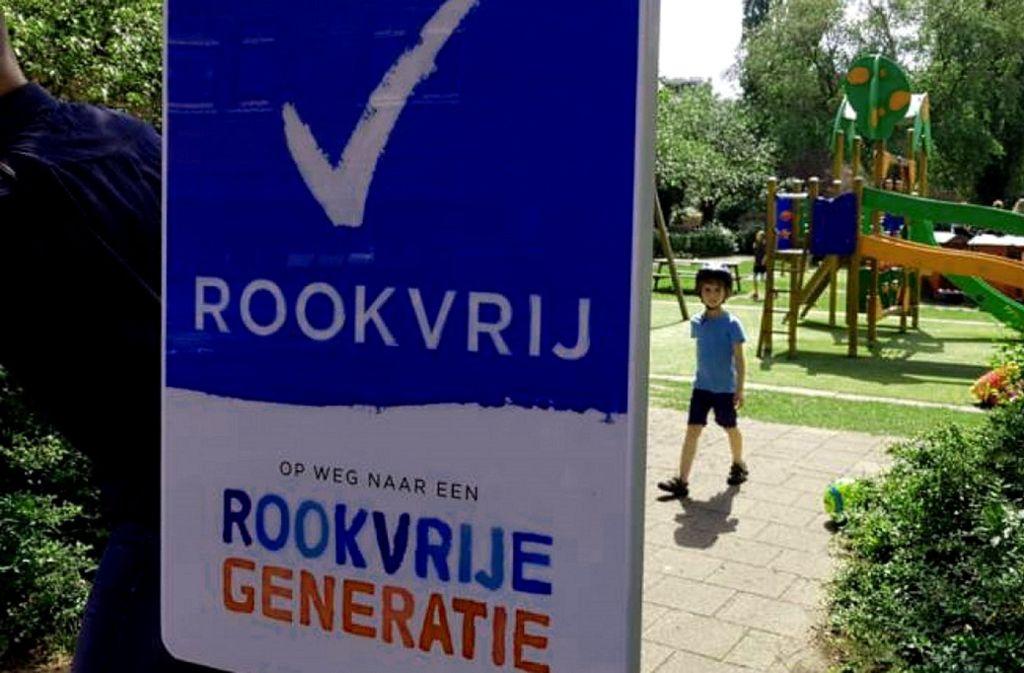 """Das Stichwort heißt """"rauchfreie Generation"""": Überall in Groningen finden sich Schilder dieser Art. Foto: Campus Groningen"""