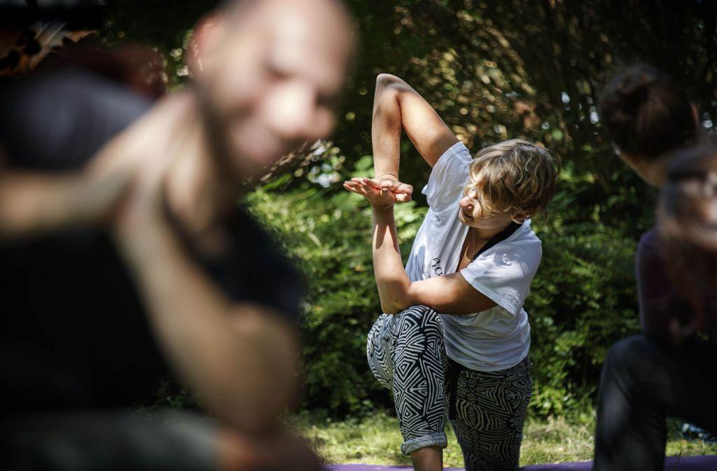 Bei Gajas Festival gibt es verschiedene Workshops – zum Beispiel Yoga. Foto: Gottfried Stoppel