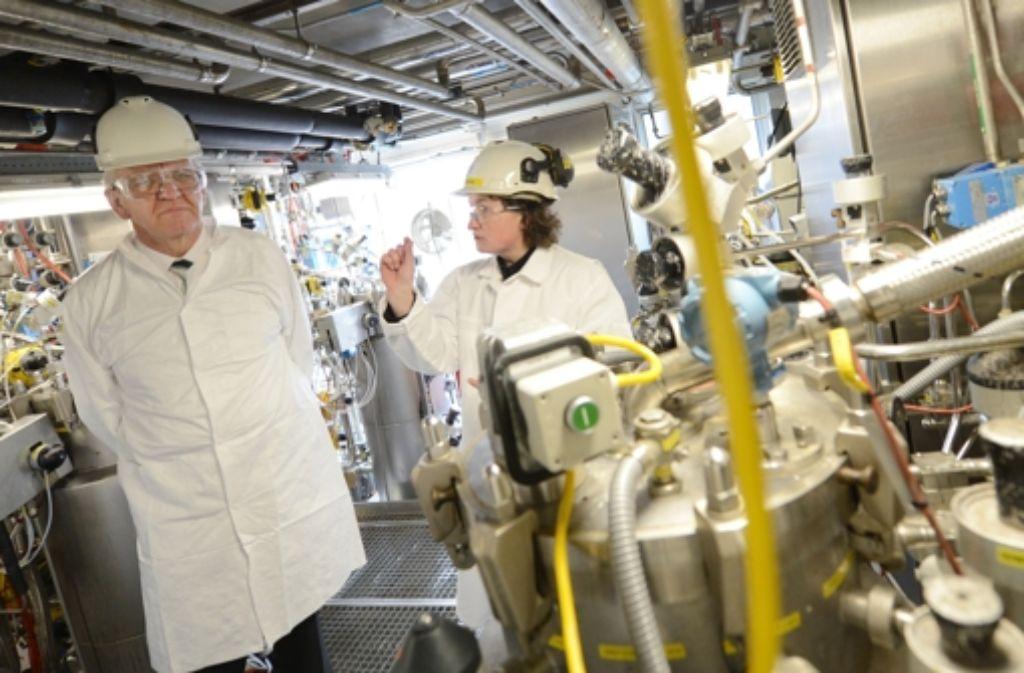 Ministerpräsident Winfried Kretschmann versucht, die Grünen als Wirtschaftspartei zu etablieren. Foto: dpa