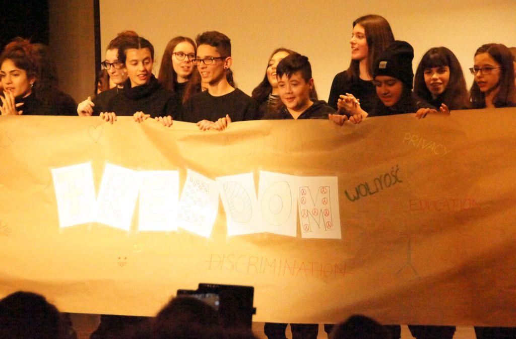 Die Schüler freuen sich über die Auszeichnung. Foto: Gymnasium Renningen