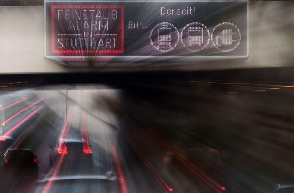 Für diese Periode nicht mehr zu erwarten: Feinstaubalarm in Stuttgart Foto: dpa