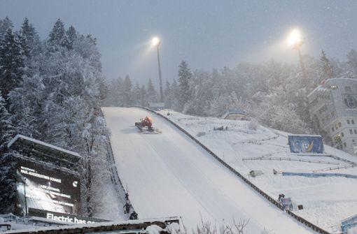 Skisprung-Quali wegen Schneechaos abgesagt