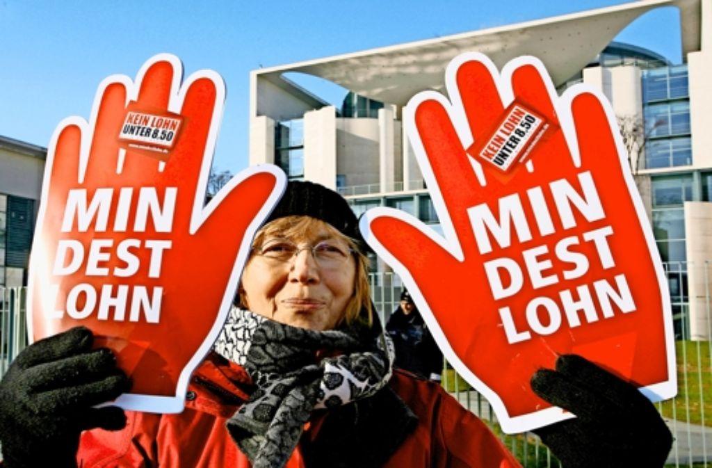 Der Gewerkschaftskampf für neue Standards – hier bei einer Kundgebung vor dem Kanzleramt – ist noch nicht ausgestanden. Foto: dpa