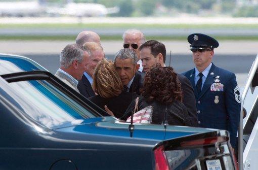 Obama tröstet Opfer-Familien