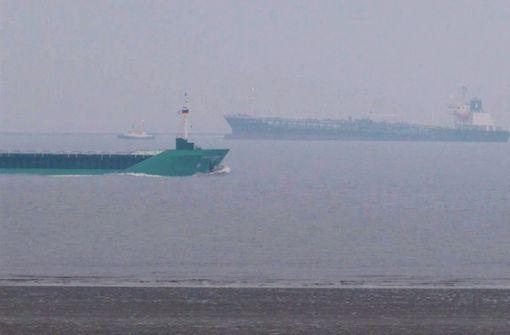 Gefahrgut-Tanker in der Elbe wieder fahrtüchtig