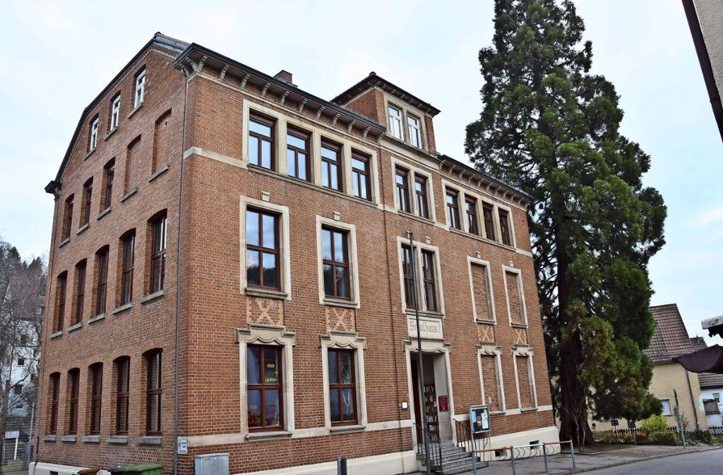 """Seit 1995 betreibt der Förderverein  die  """"Alte Schule"""" als selbstverwaltetes  und eigen finanziertes Bürgerhaus. Foto: Mathias Kuhn"""