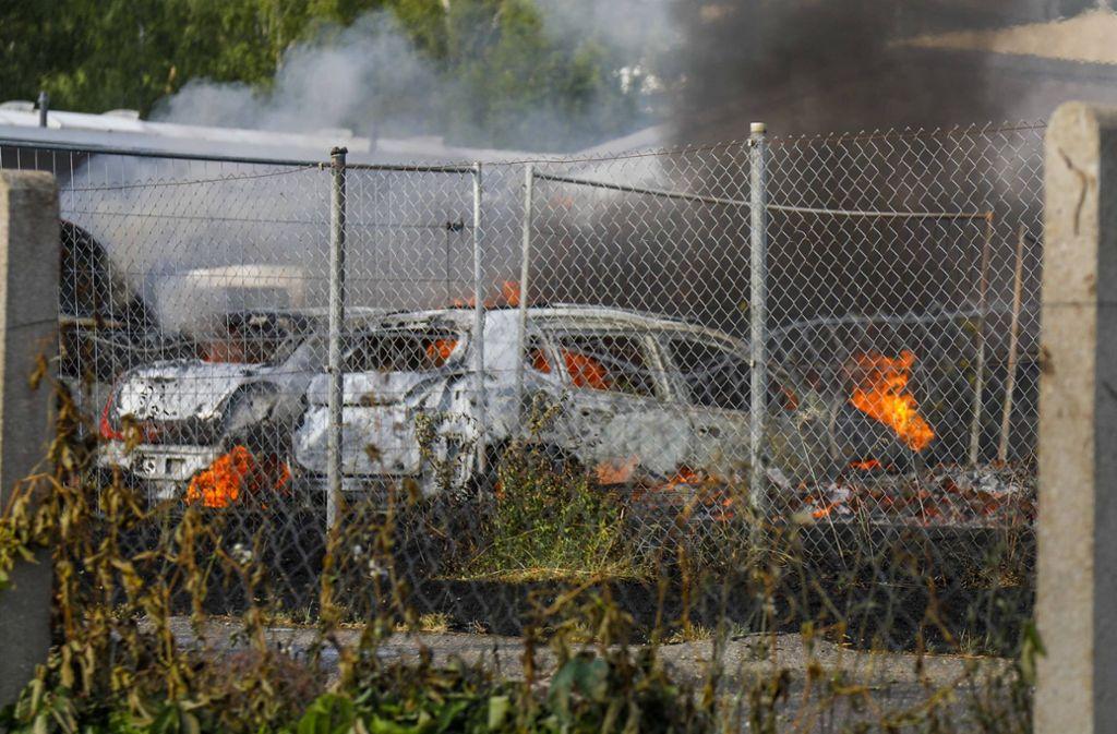 30 Fahrzeuge wurden bei dem Brand beschädigt. Foto: 7aktuell.de/Christina Zambito