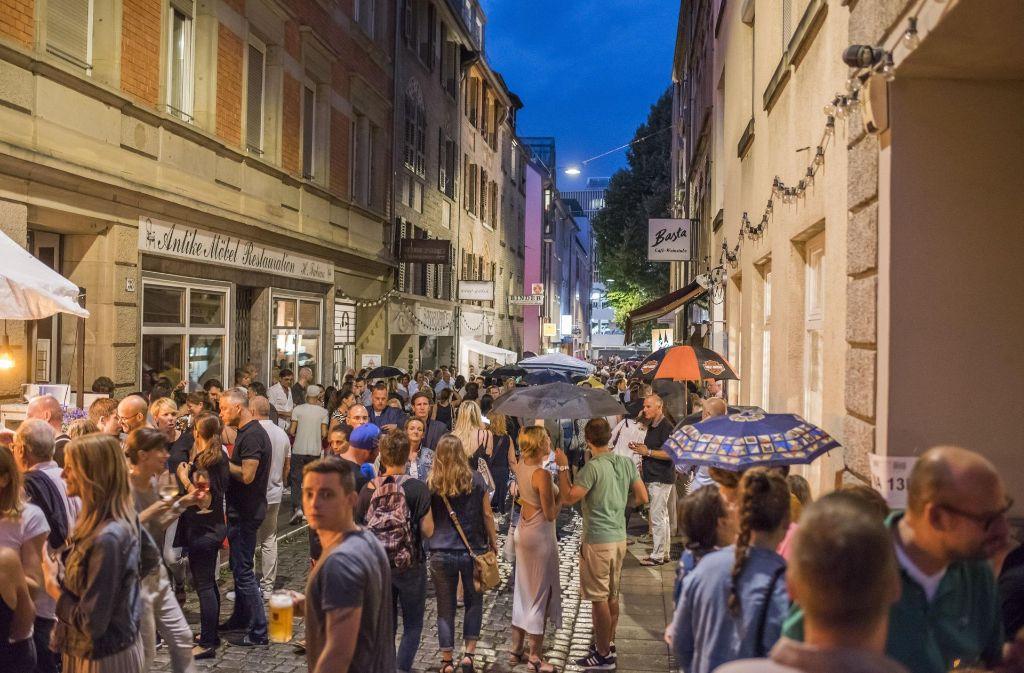 Zahlreiche Stuttgarter haben am Freitagabend beim Bohnenviertelfest gefeiert. Foto: 7aktuell.de/Oskar Eyb