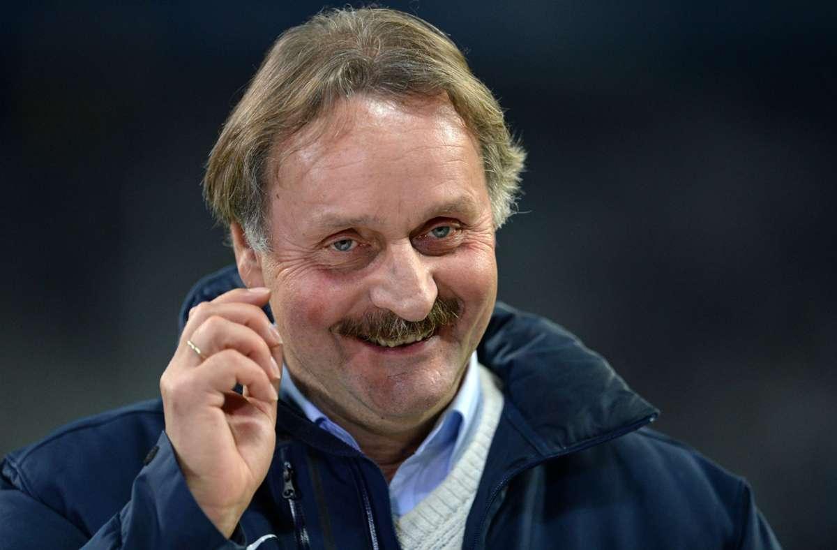 Peter Neururer kennst sich aus im Geschäft der Fußball-Bundesliga. Foto: dpa/Andreas Gebert