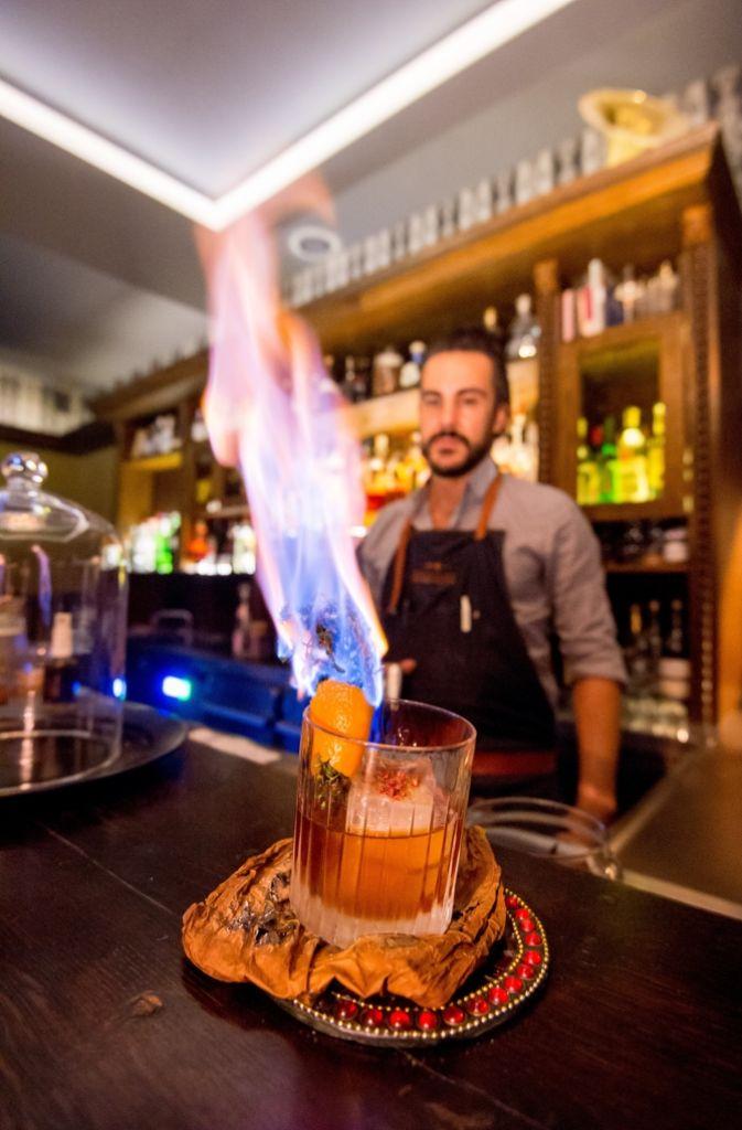 ...Bars und Kneipen... Foto: Martin Stollberg