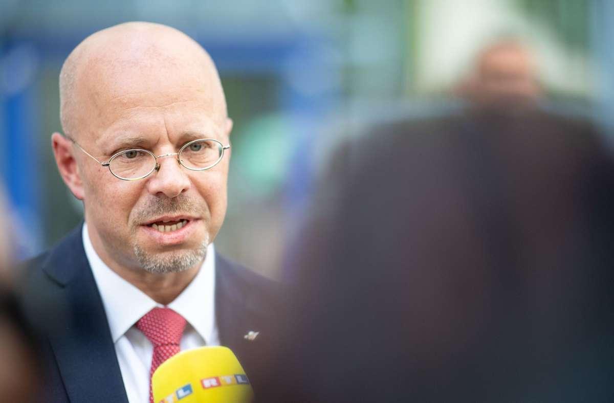 Der AfD-Bundesvorstand hatte im Mai mit knapper Mehrheit beschlossen, Kalbitz' AfD-Mitgliedschaft zu annullieren. Foto: dpa/Sebastian Gollnow