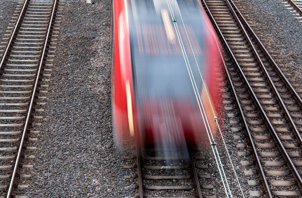 Die Strecke ist vom 13. bis zum 16. Februar gesperrt (Symbolbild). Foto: dpa/Fabian Sommer