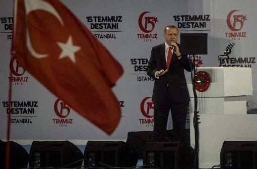 """Erdogan will Drahtziehern """"den Kopf abreißen"""" lassen"""