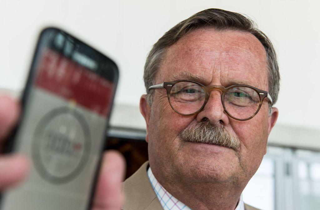 Der Präsident der Bundesärztekammer, Frank Ulrich Montgomery, warnt: Eine App könne einen Arzt niemals ersetzen. Foto: dpa