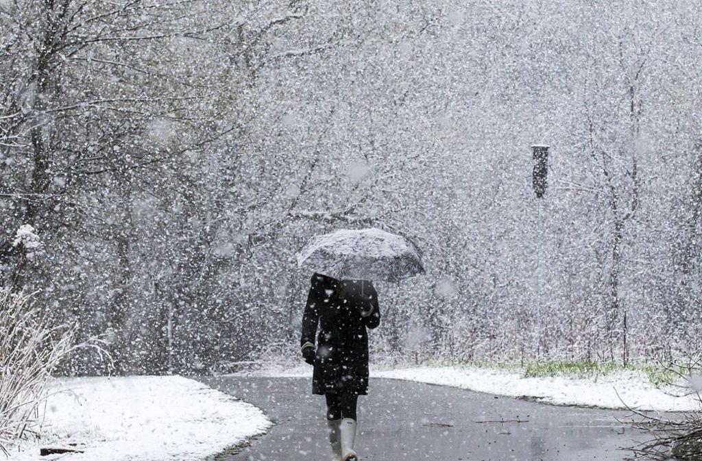 Am Sonntag kann es in Teilen Baden-Württembergs schneien. (Symbolfoto) Foto: dpa