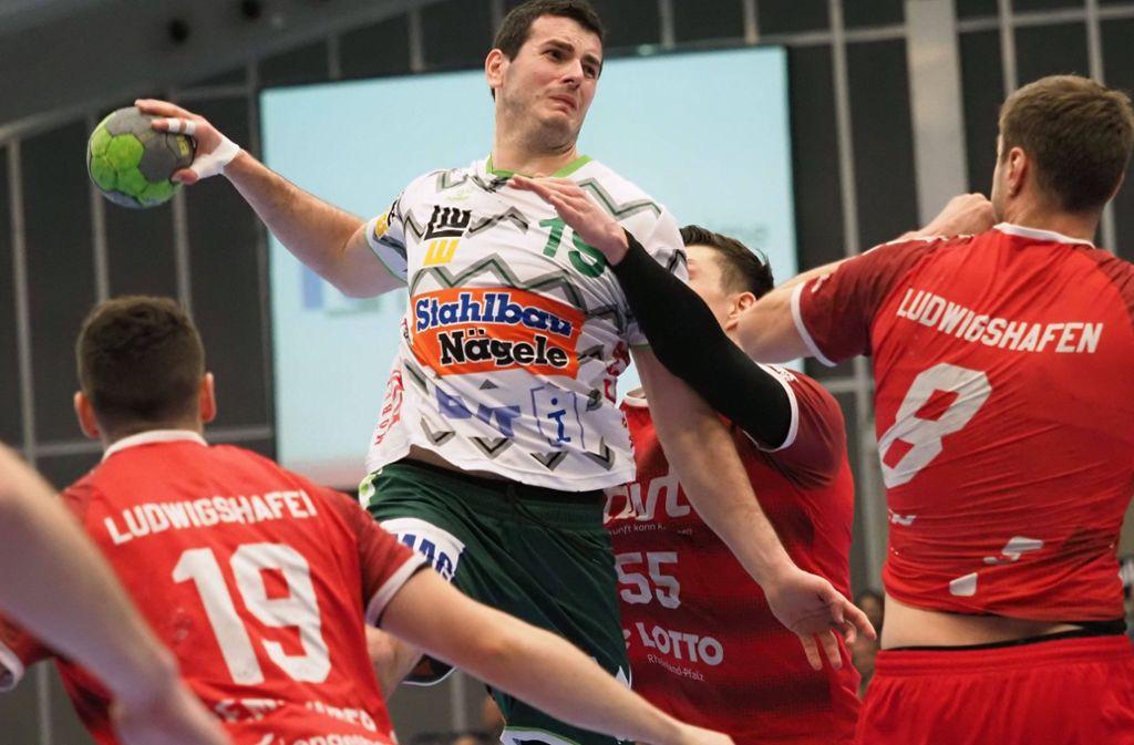 Der einzige Göppinger Rückraumspieler, der in Ludwigshafen trifft: Die sechs Tore von Ivan Sliskovic reichen nicht zu einem Punktgewinn bei den Eulen. Foto: imago/Eibner