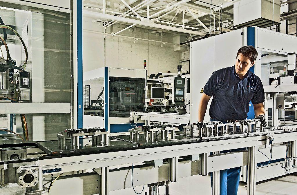 Zellverbinder für Lithium-Ionen-Batterien werden in Deutschland hergestellt – und künftig möglicherweise auch in China. Foto: Elring-Klinger