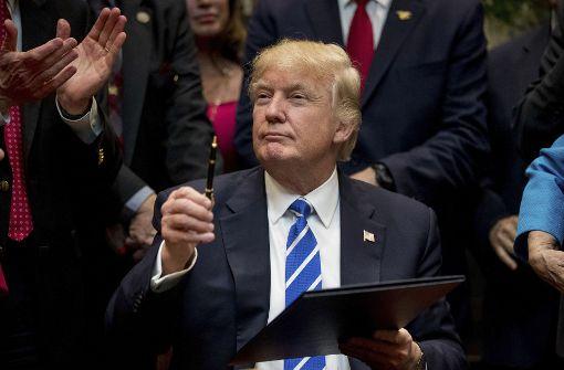 US-Präsident Donald Trump widerruft diverse Anordnungen seines Vorgängers Barack Obama. Foto: AP