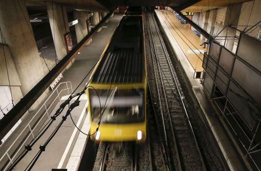 Der Sturz auf die U-Bahngleise hat Folgen