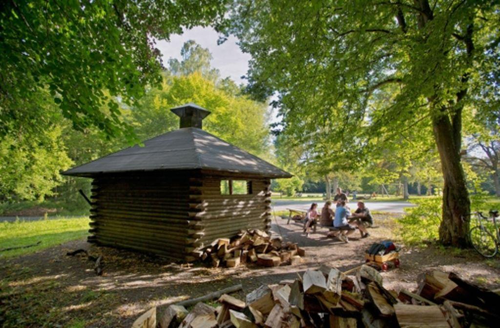 Das Wapiti-Häuschen schützt die Griller, wenn es mal regnet. Foto: Michael Steinert