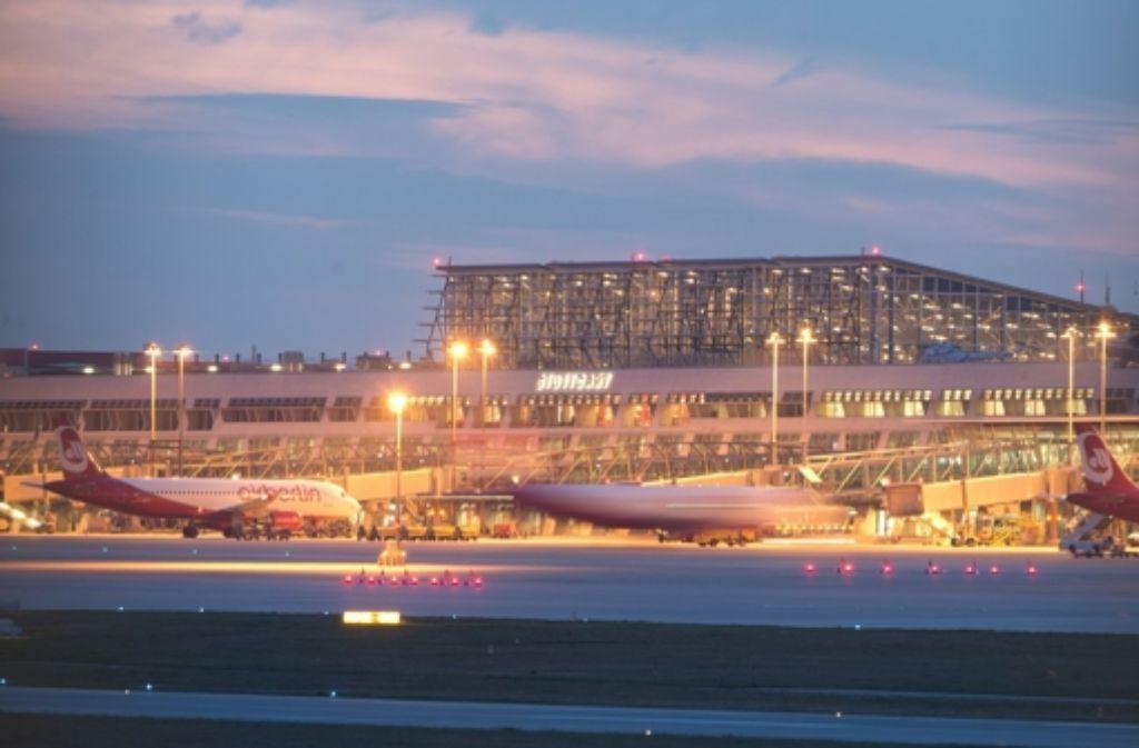 Die Stuttgarter Flughafengesellschaft rechnet    wieder mit rund 9,6 Millionen Passagieren am Jahresende. Foto: