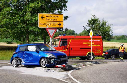 Schwerer Unfall fordert drei Verletzte