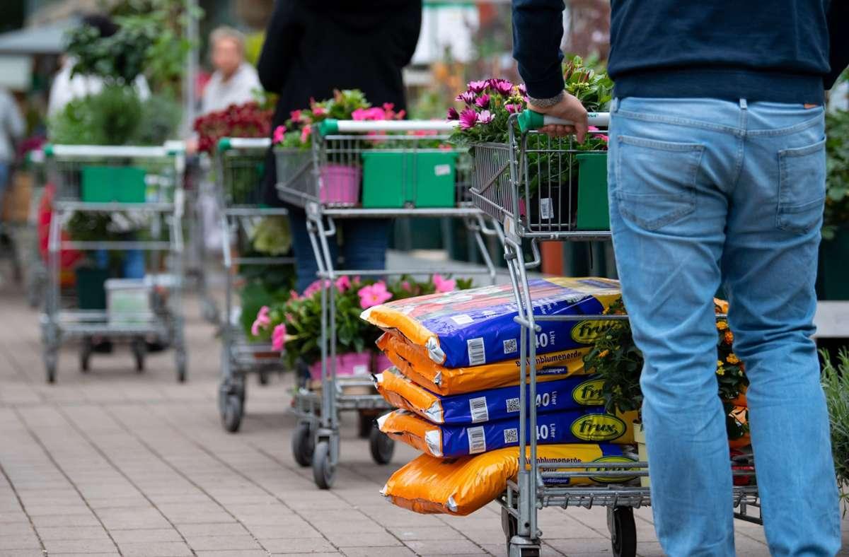 Auch die Baumärkte dürfen am Montag in Baden-Württemberg wieder öffnen. Foto: dpa/Sven Hoppe
