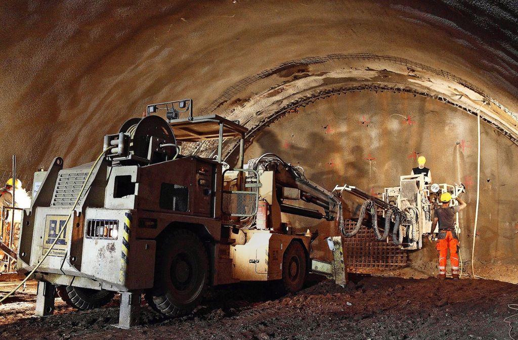Der Rosensteintunnel sorgt auch zwei Jahre vor Inbetriebnahme im Rathaus immer noch für heftigen  Streit um Kosten und Nutzen des Projekts. Foto: Lichtgut /Jan Reich