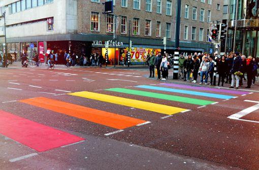 Grüne fordern Regenbogenstreifen auf Stuttgarts Straßen