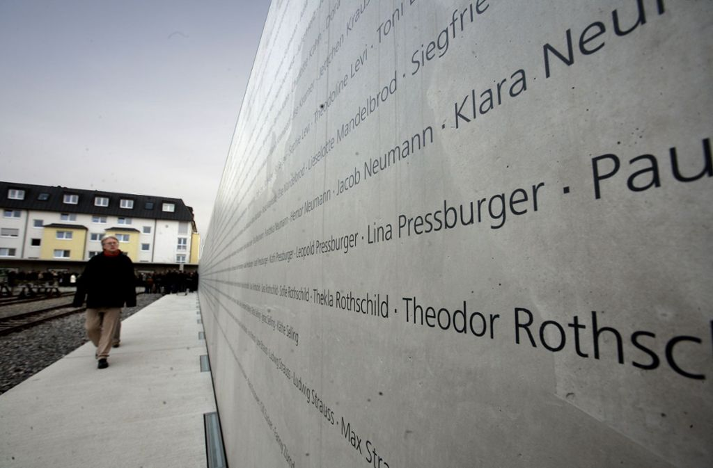 Erinnerung an die NS-Oper am Stuttgarter Nordbahnhof Foto: achim zweygarth