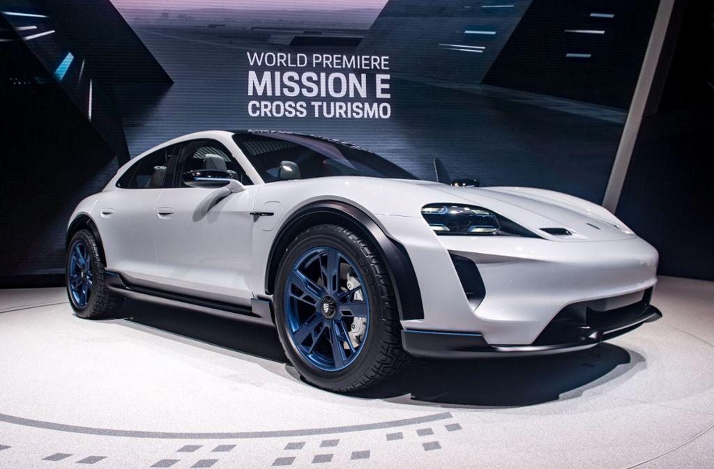 Das Elektroauto Mission E Cross Turismo von Porsche ist eine Kreuzung aus Sport- und Geländewagen. Foto: Getty Images Europe