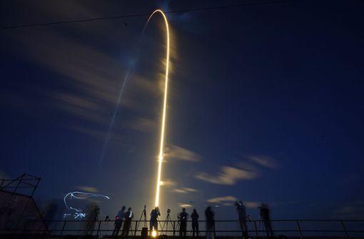 """""""Ihr inspiriert die Welt"""": Erstmals vier Laien ins Weltall gestartet"""
