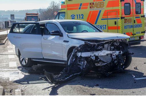 Drei Verletzte bei Kreuzungscrash in Sindelfingen