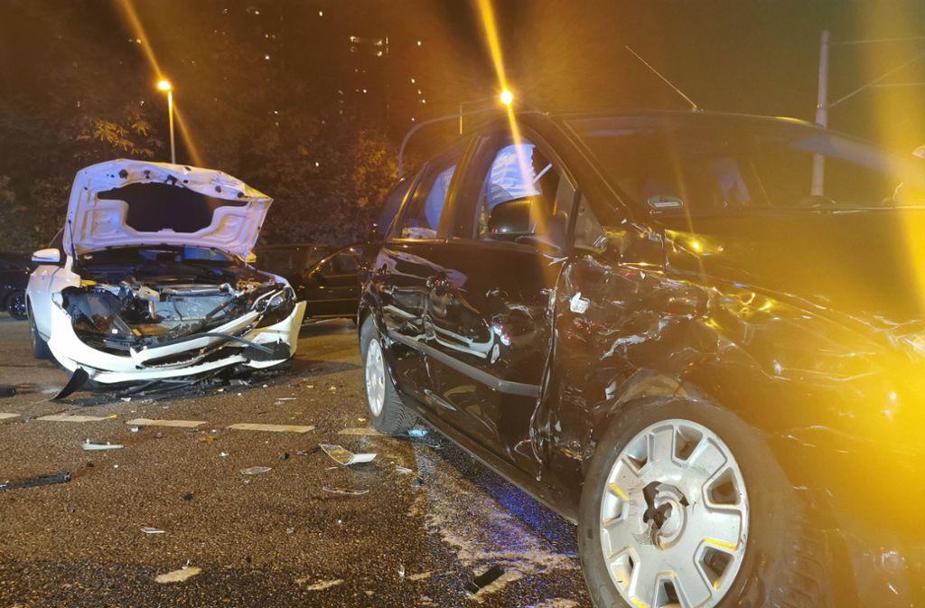 Der Mercedes- und der Fordfahrer werden bei dem Unfall leicht verletzt. Foto: 7aktuell.de/Frank Herlinger/www.7aktuell.de/Frank Herlinger