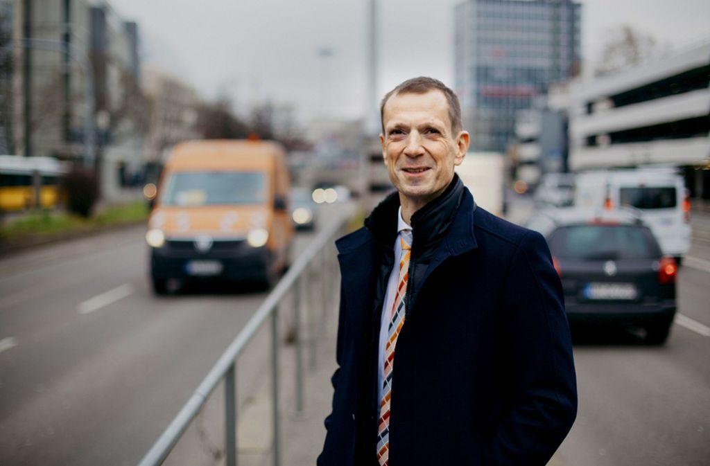 """CDU-Fraktionschef Alexander Kotz will Finanzbürgermeister und Stellvertreter von OB Fritz Kuhn werden. Dem Oberbürgermeister hat er zuletzt allerdings attestiert: """"Kuhn kann Großstadt nicht."""" Foto: Lichtgut/Leif Piechowski"""