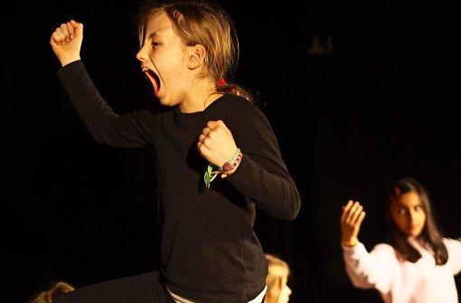 Mädchen machen Theater