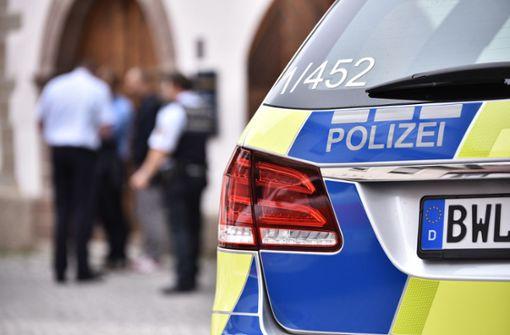 Betrunkene Frau beißt Polizistin