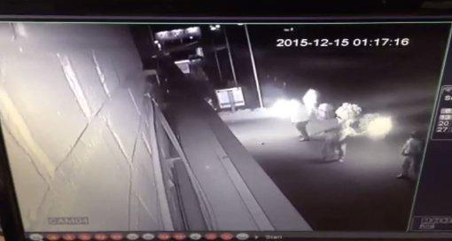 Video zeigt Täter des Brandanschlags