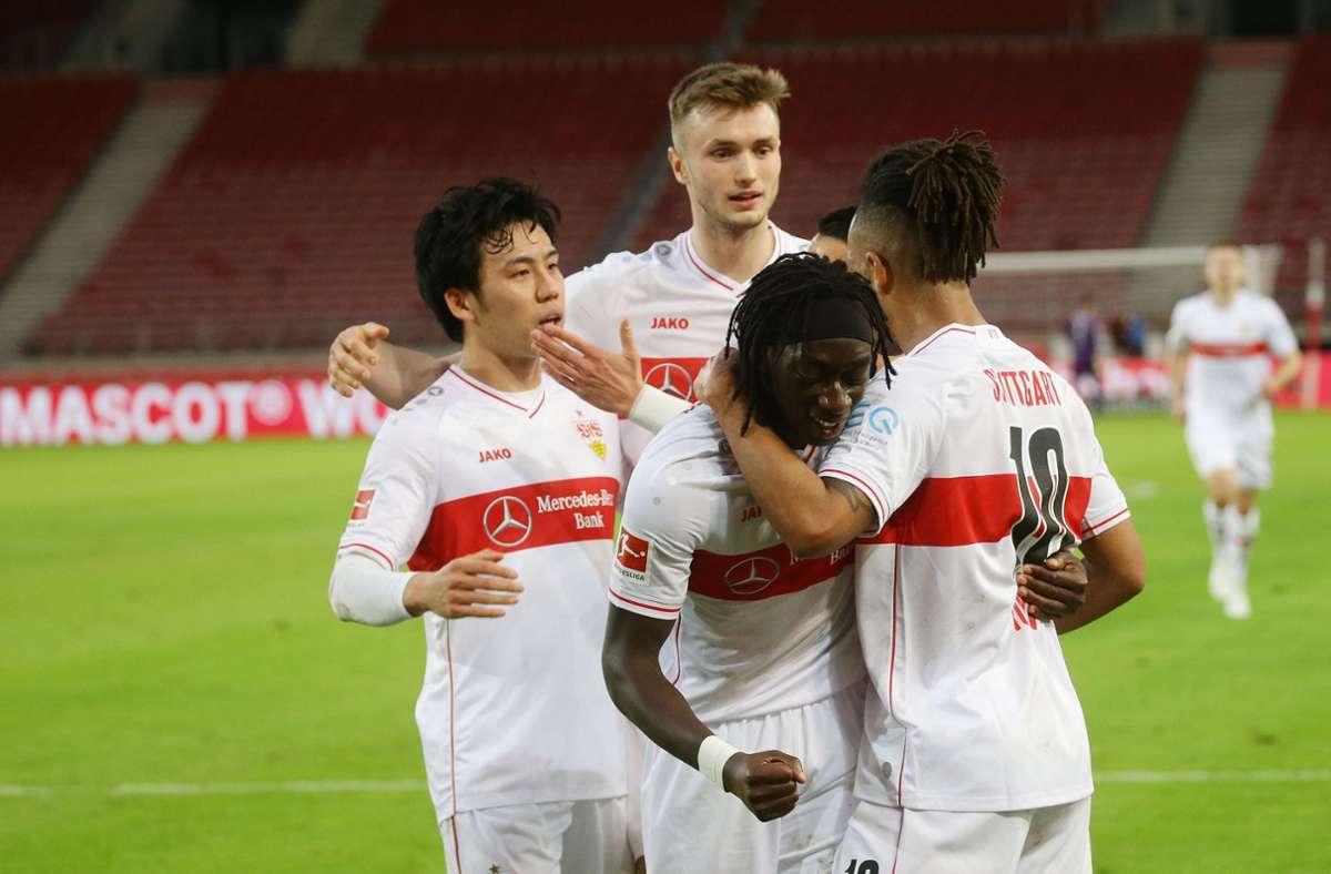 Der VfB Stuttgart kann, ohne selbst einzugreifen, den Klassenerhalt bereits am Abend endgültig unter Dach und Fach bringen. Foto: Pressefoto Baumann