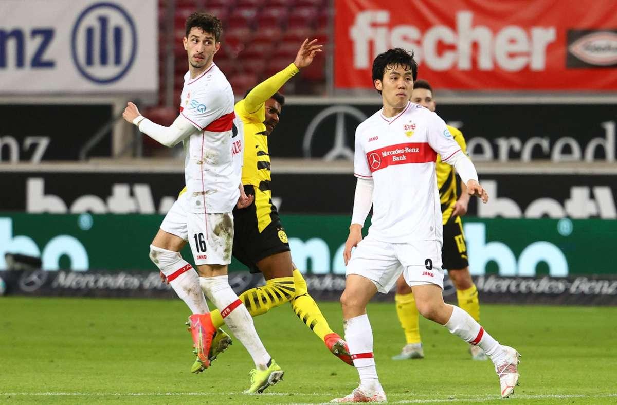 Der VfB Stuttgart hat gegen Borussia Dortmund 2:3 verloren. Unsere Redaktion hat die Leistungen der VfB-Profis wie folgt bewertet. Foto: AFP/KAI PFAFFENBACH